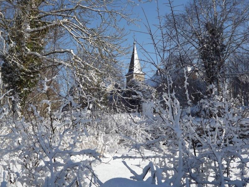 Clocher de Fay sous la neige. Simone Thomas